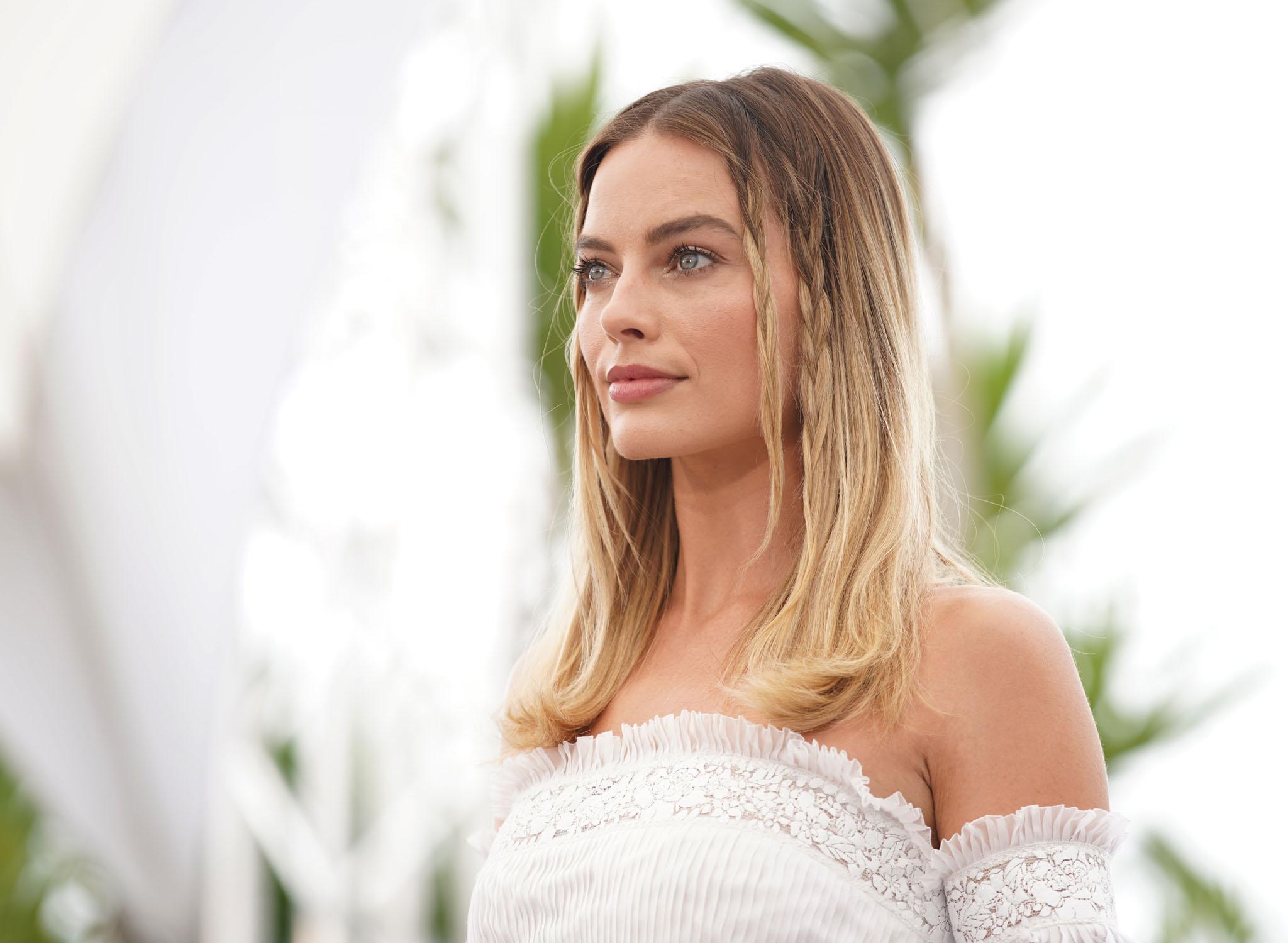 Margot i hvid top
